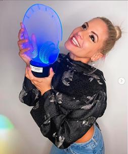 Metzker Viki - Az év DJ díjazott